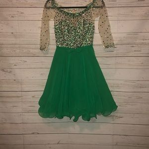 NWT Mori Lee Size 4 Party Dress
